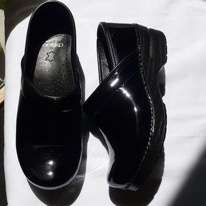 Dansko Black Patent Leather Clogs in Size 37